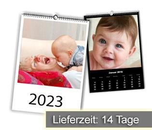 Kalender mit 13 digitalisierten Bildern